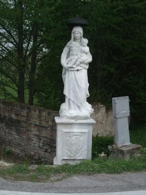 Statua in pietra dopo l'intervento di restauro