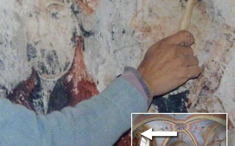 verifica preventiva dello stato degli affreschi prima del restauro e foto con dettaglio nella vista generale
